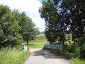 Poslední silniční most přes Moravu v obci Dolní Morava se nachází v místní části, zvané U potoka.