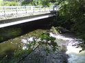 Malý splav na Moravě pod mostem v Bohutíně.