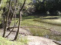 Slepé rameno Moravy, které je tak hluboké, že ani nízký stav vody jej neovlivní natolik, aby vyschlo.