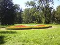 Kroměříž – zámecký park. Najdeme tu jak místa krásná, udržovaná, tak i místa s opačným nábojem.