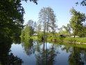 Nadjezí v Litovli pohledem z pravého břehu Moravy.
