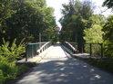 Silničnímu most přes řeku Moravu mezi obcemi Nové Zámky a Mladeč.
